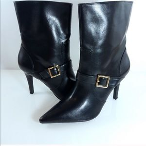 Chaps Kalana pointed toe heeled booties size 10
